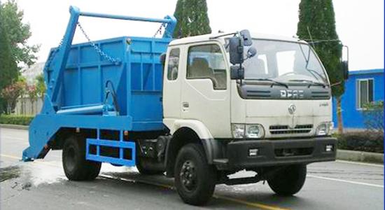 东风金霸摆臂式垃圾车