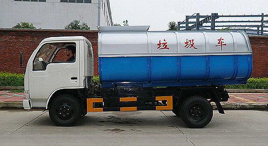 东风小霸王挂桶垃圾车(5立方)