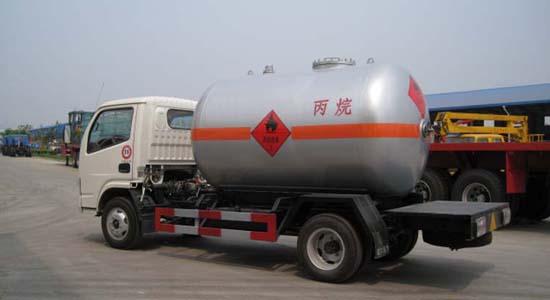 5.5立方东风小霸王液化气运输车