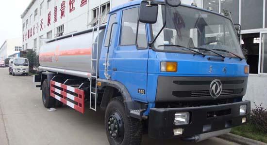 东风153油罐车(14-17立方)