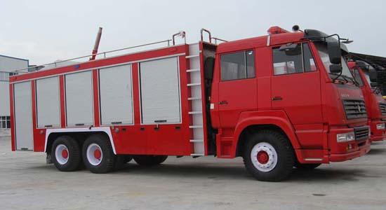 斯太尔后双桥消防车(欧三)