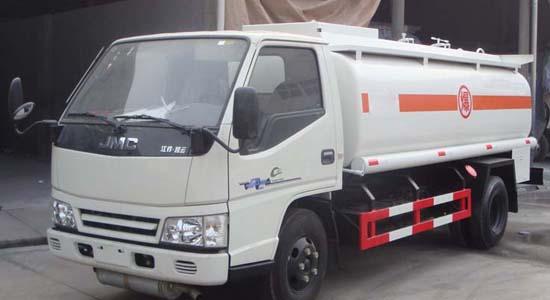 江铃单桥油罐车(3-5立方)