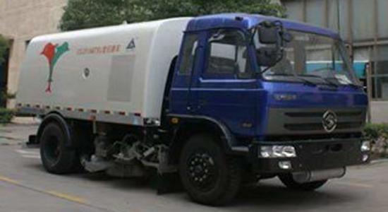 长安重型扫路车