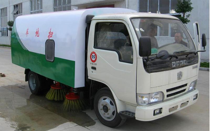 东风小霸王扫路车