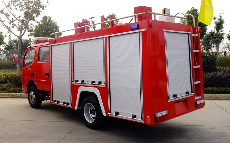重汽豪沃单桥泡沫消防车