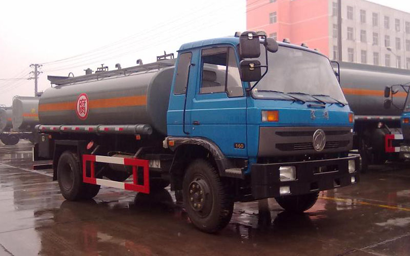 东风153化工液体运输车