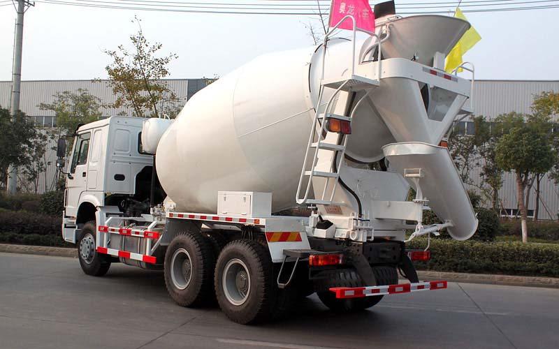 重汽豪泺混凝土搅拌车