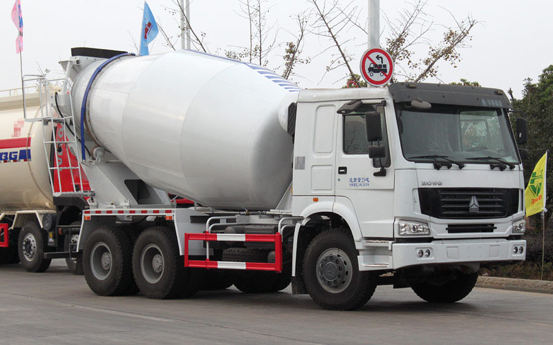 ZZ5256GJBM3846C混凝土搅拌运输车