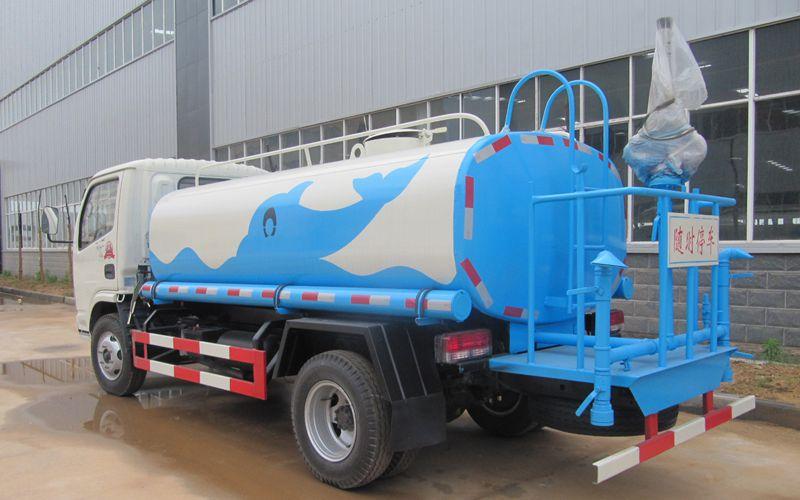 东风福瑞卡5吨绿化喷洒车