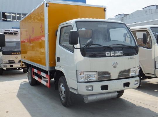 东风福瑞卡0.94吨爆破器材运输车