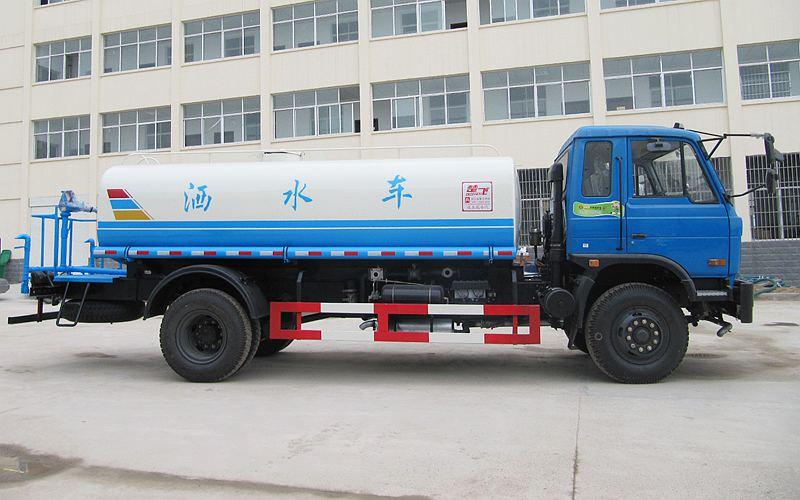 东风153型12吨洒水车