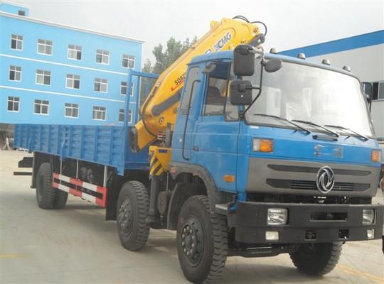 东风小三轴8-10吨随车起重运输车
