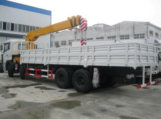东风天龙前四后八10-16吨随车起重运输车