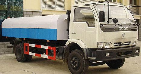 东风康霸密封式垃圾车