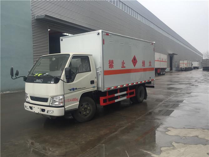 江铃易燃气体运输车