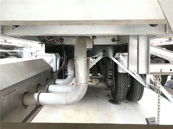 42立方汽油半挂车